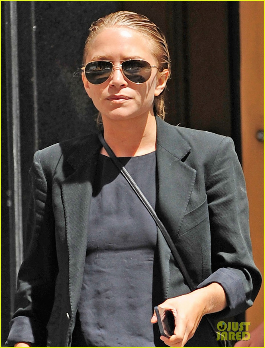 mary kate olsen hangs with olivier sarkozy daughter 022931236
