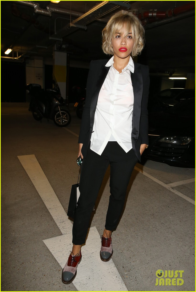 rita ora shows off new short hairdo at percy reed salon 102926579