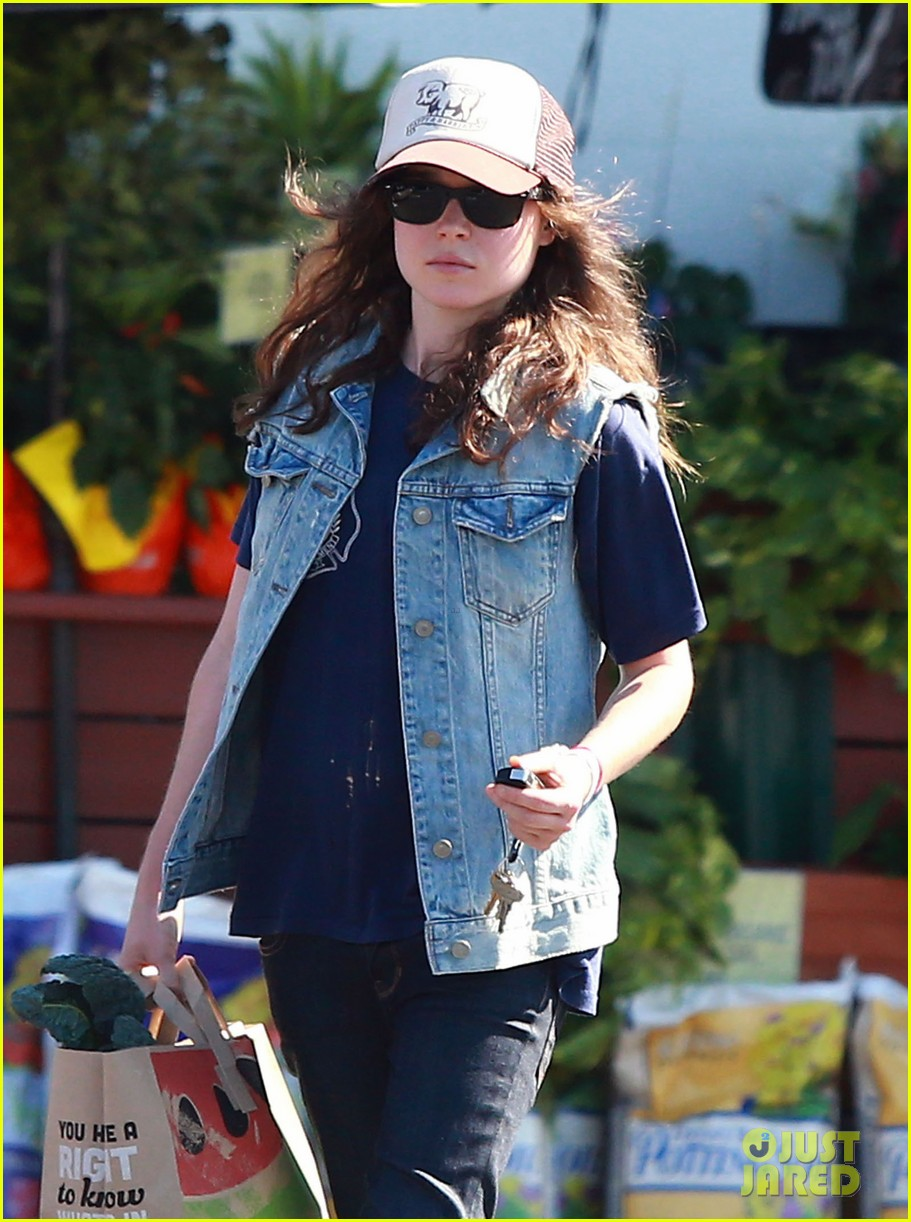 ellen page grocery shops after caution tape day 022926593