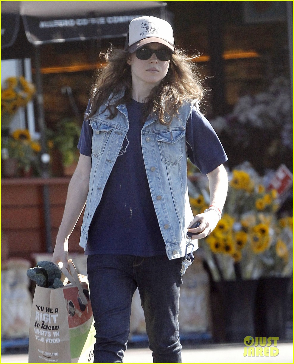 ellen page grocery shops after caution tape day 042926595