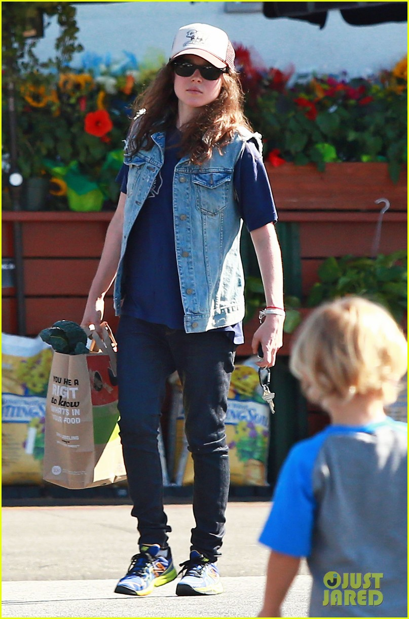 ellen page grocery shops after caution tape day 112926602