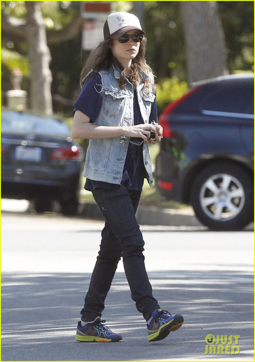 ellen page grocery shops after caution tape day 172926608