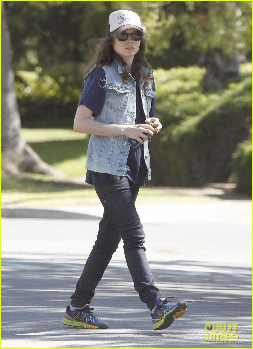 ellen page grocery shops after caution tape day 192926610
