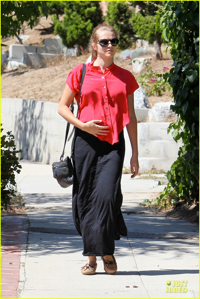 teresa palmer ive been prepping for motherhood for long time 122934441