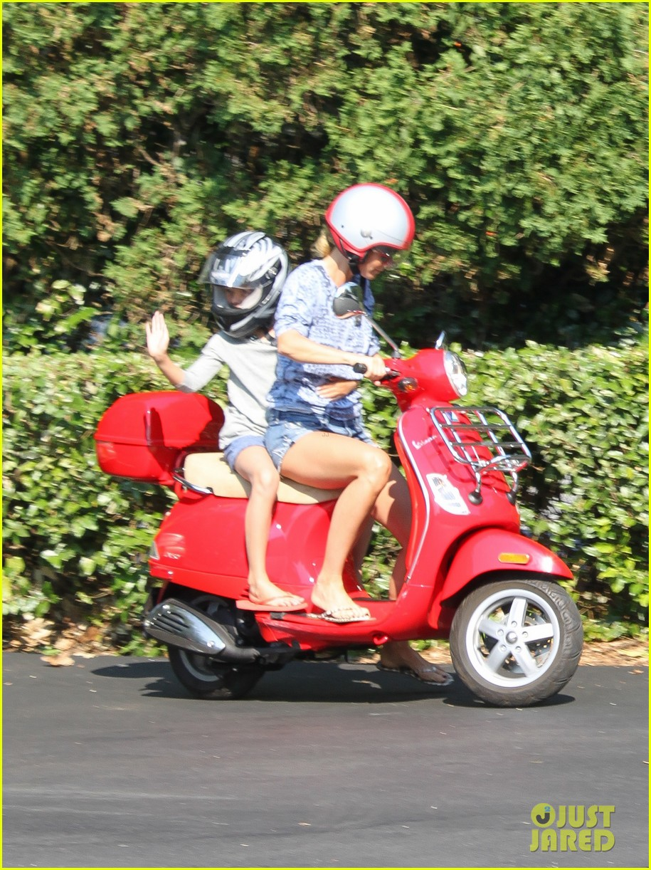 gwyneth paltrow apple moped to coffee shop 022933999