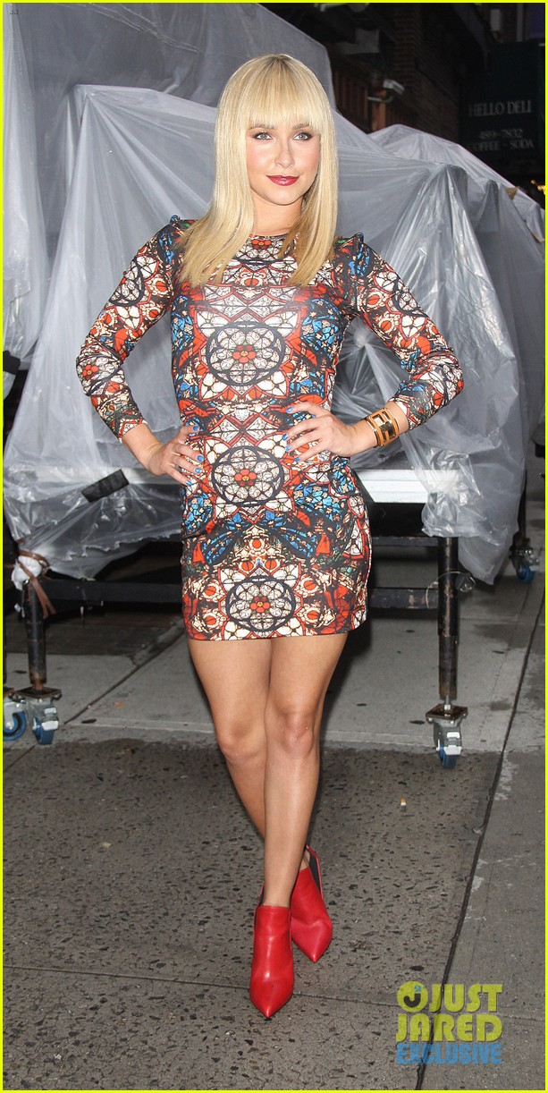 hayden panettiere debuts hot new bangs at letterman 012939491