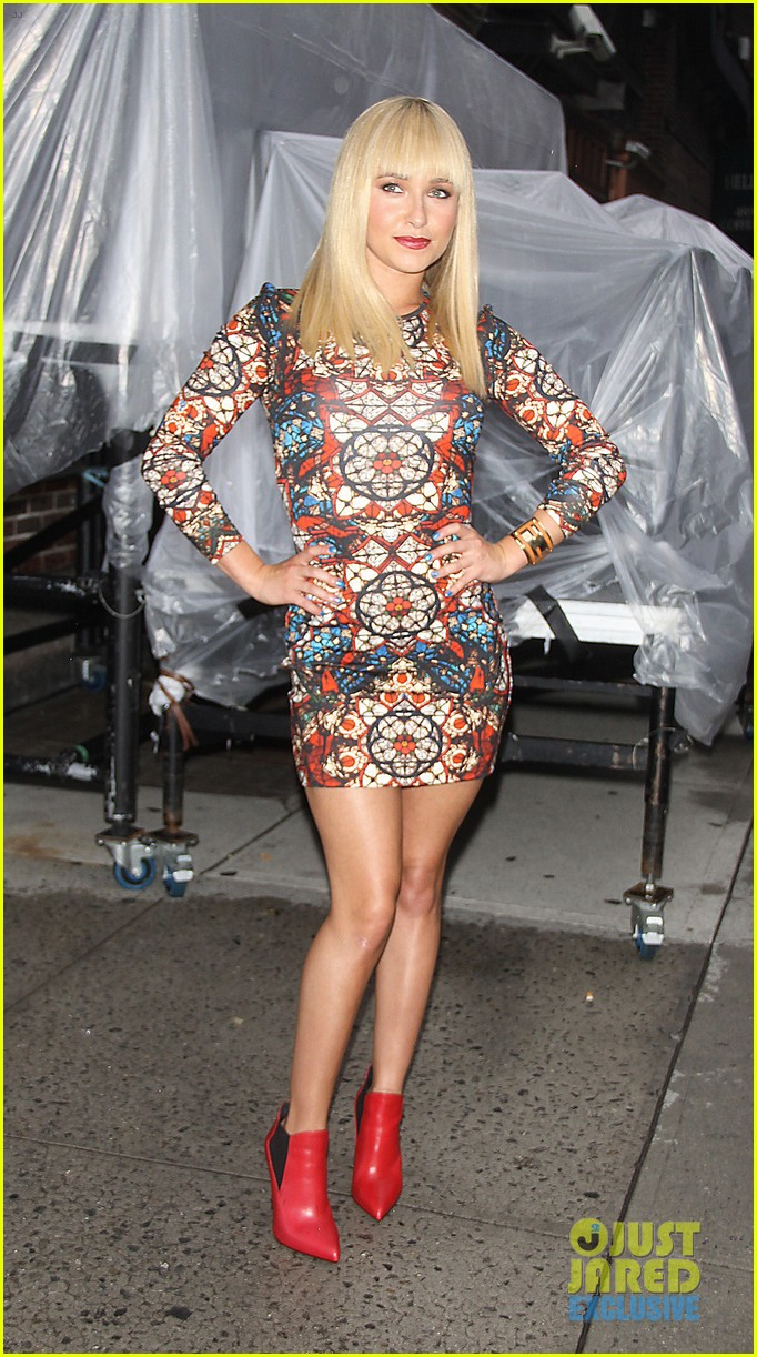 hayden panettiere debuts hot new bangs at letterman 08
