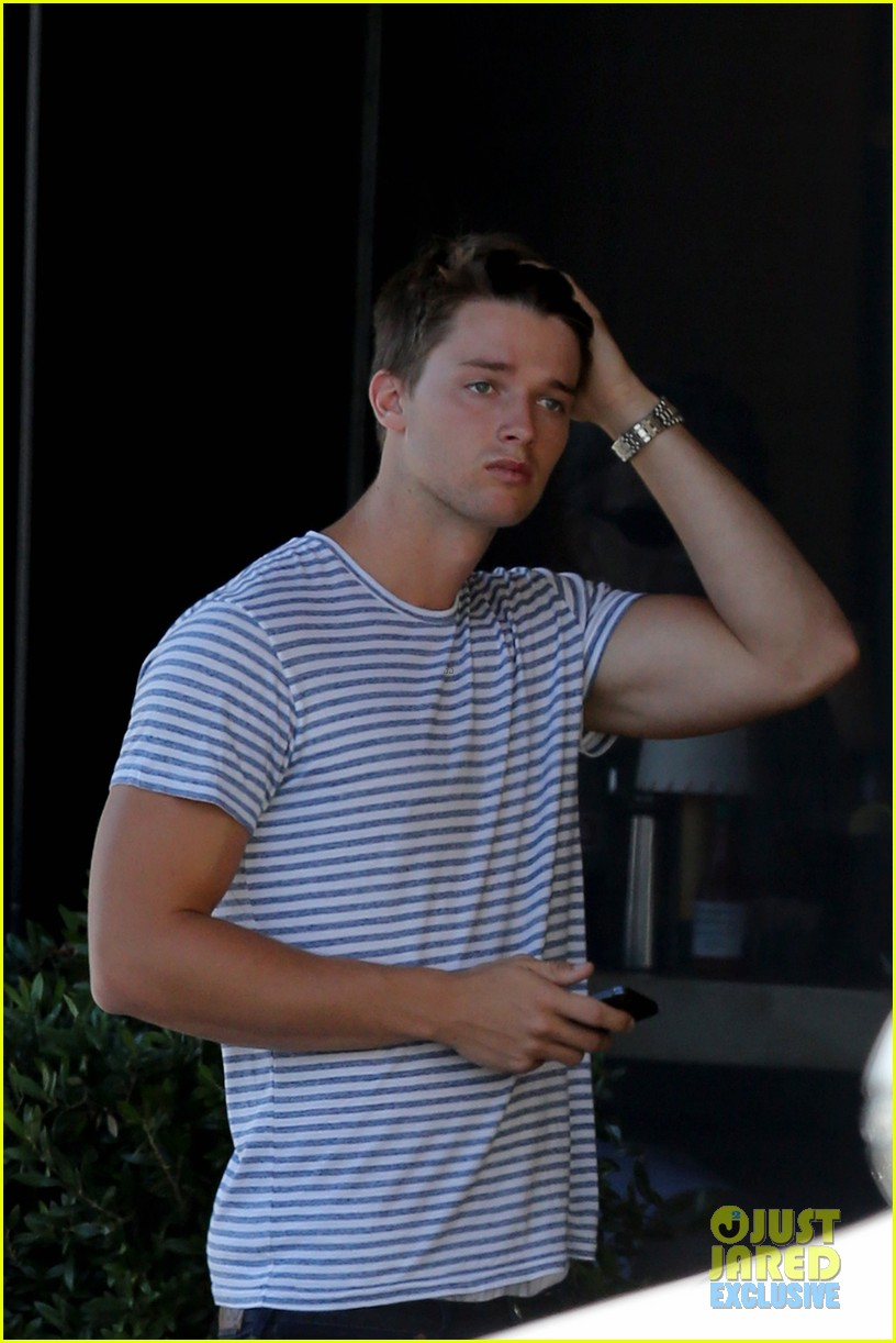 patrick schwarzenegger makes arnold a proud father 032939876