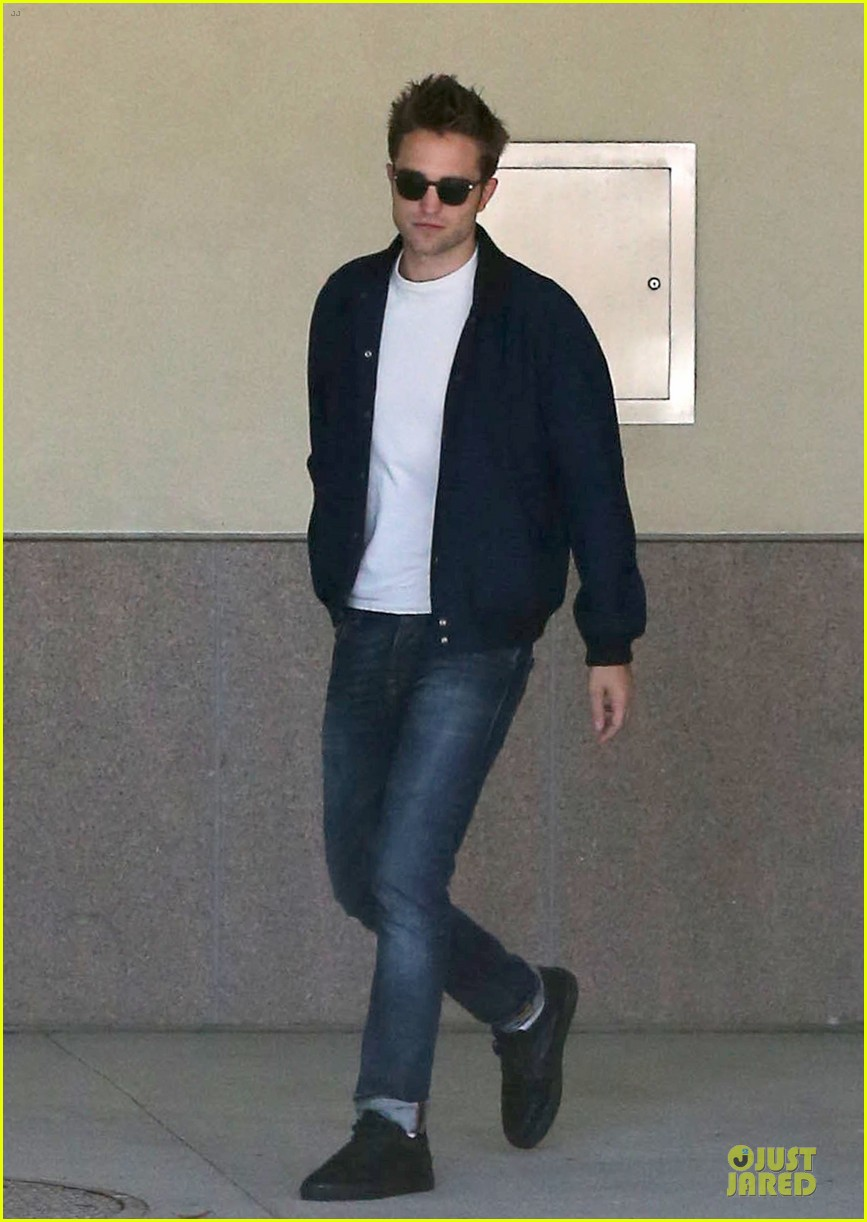 robert pattinson cool office building exit 012931583