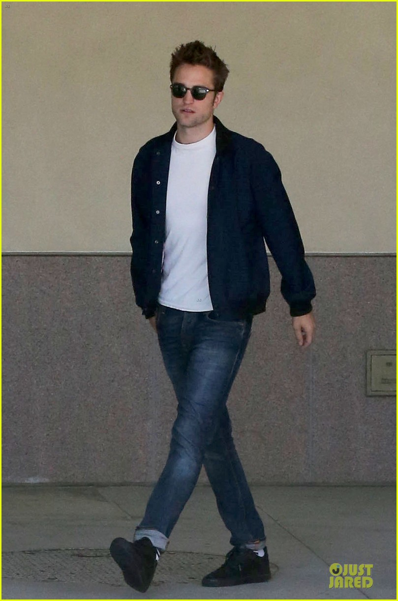robert pattinson cool office building exit 102931592