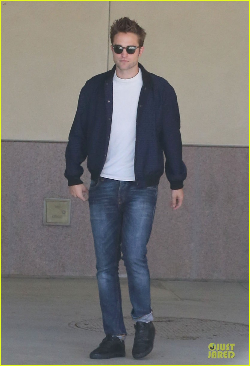 robert pattinson cool office building exit 142931596