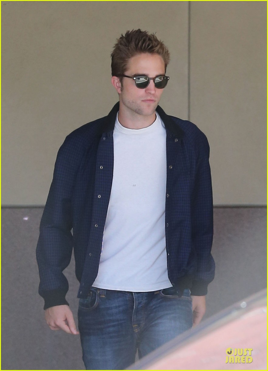 robert pattinson cool office building exit 172931599