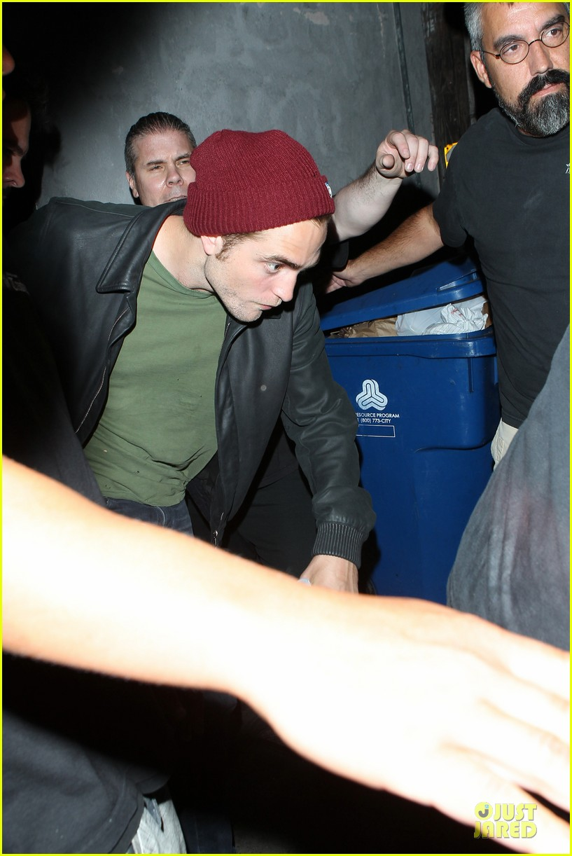 robert pattinson bobby long concert goer 06