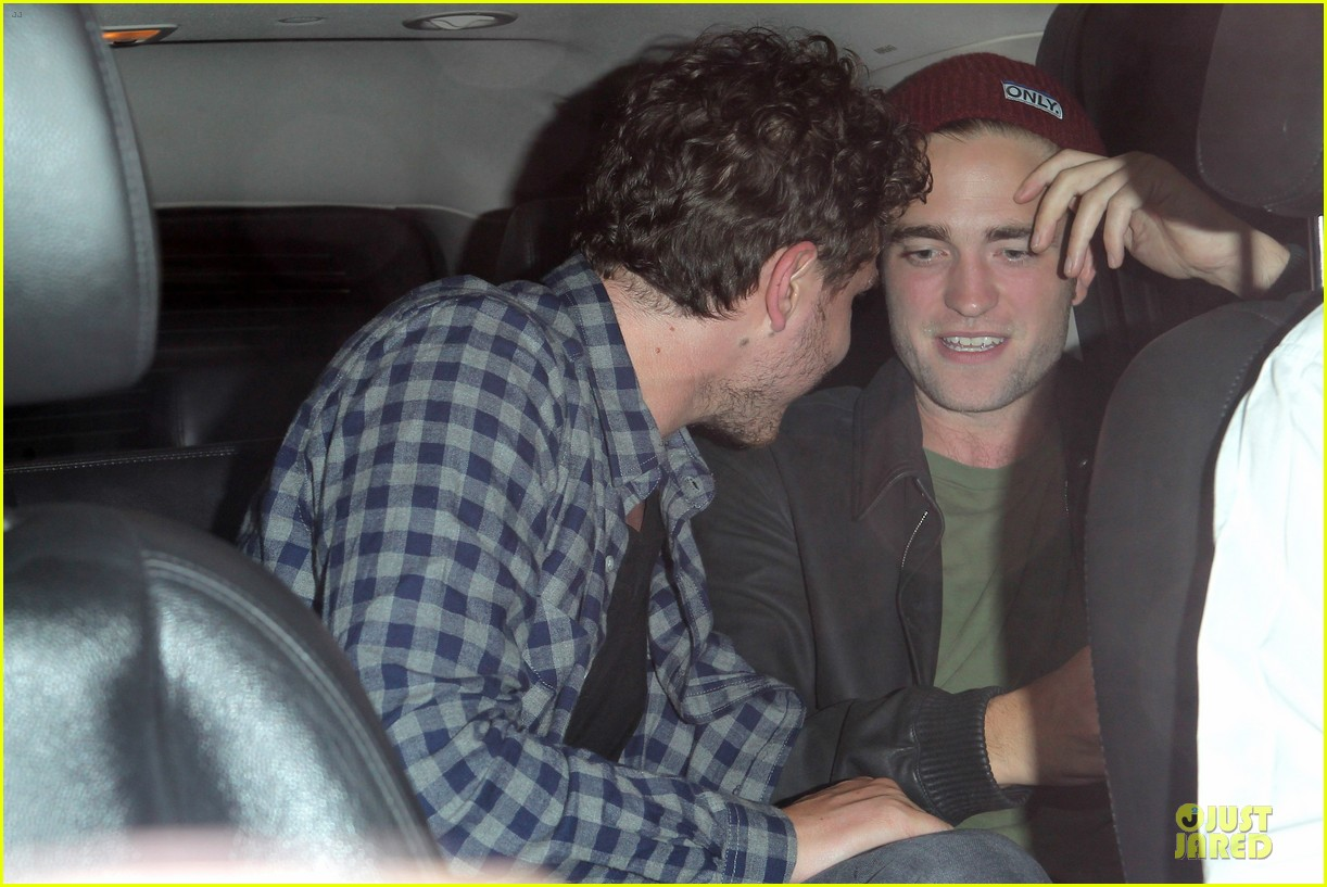 robert pattinson bobby long concert goer 19