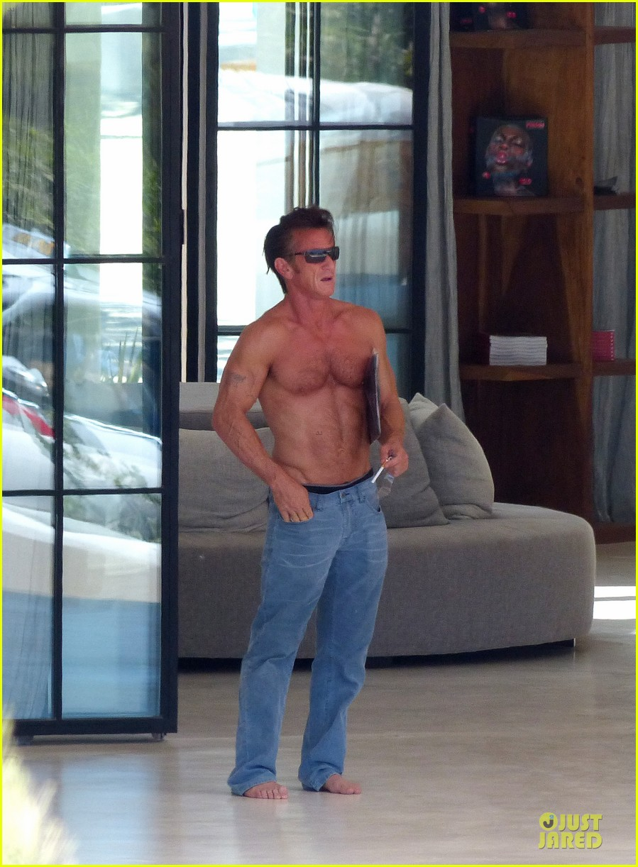 sean penn shirtless ripped on ibiza vacation 012928327