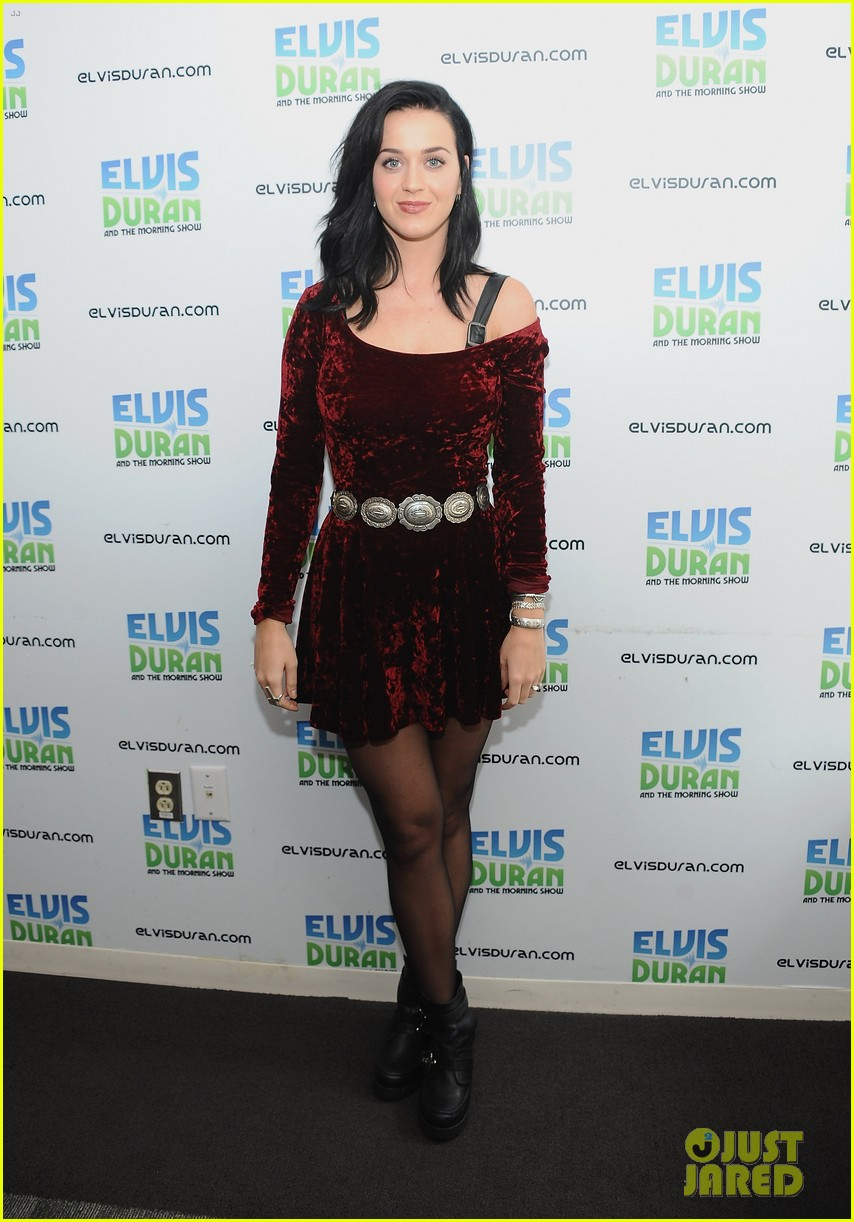 katy perry roars in new york city for z100 visit 032928525