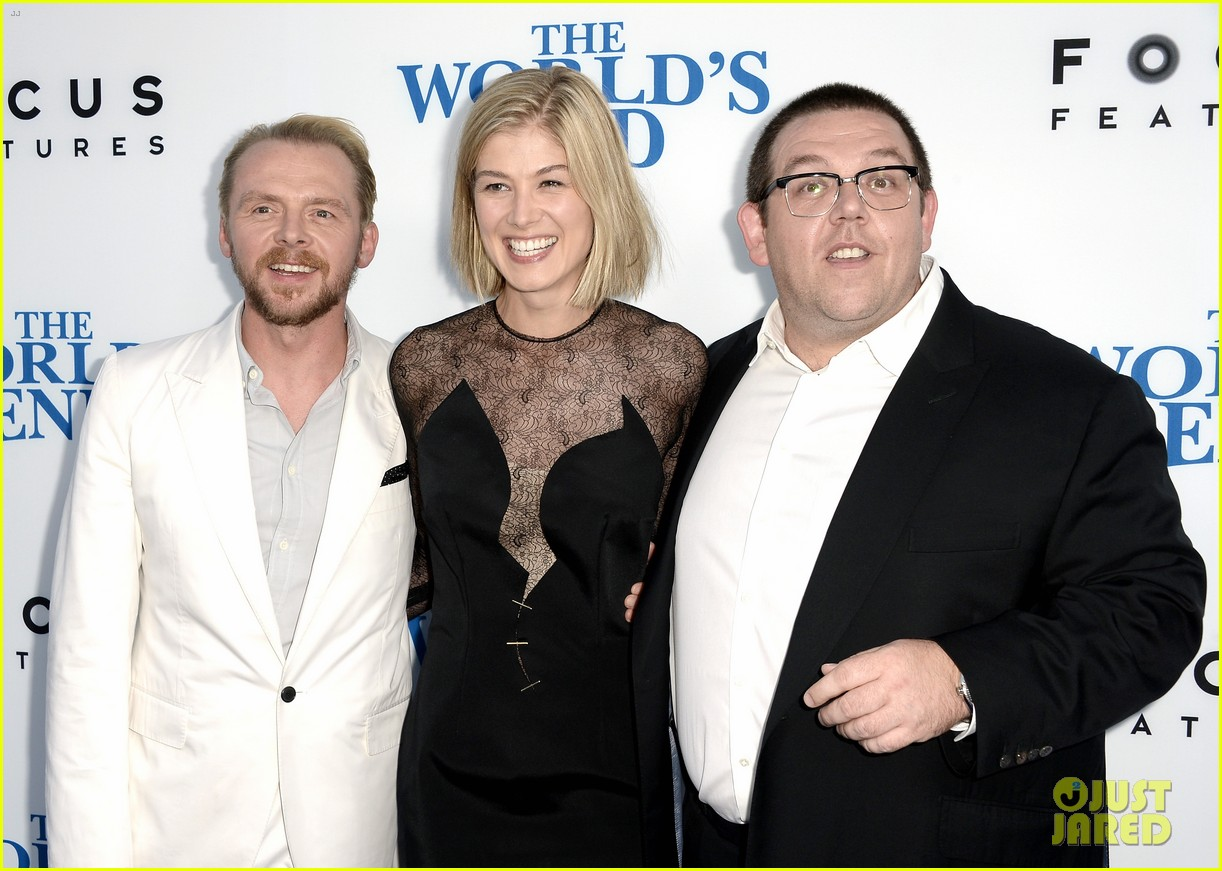 rosamund pike simon pegg worlds end premiere 082935167