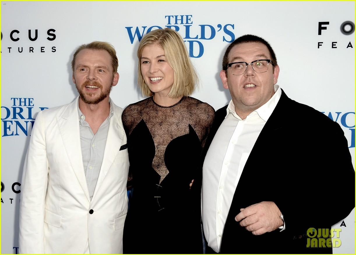 rosamund pike simon pegg worlds end premiere 142935173