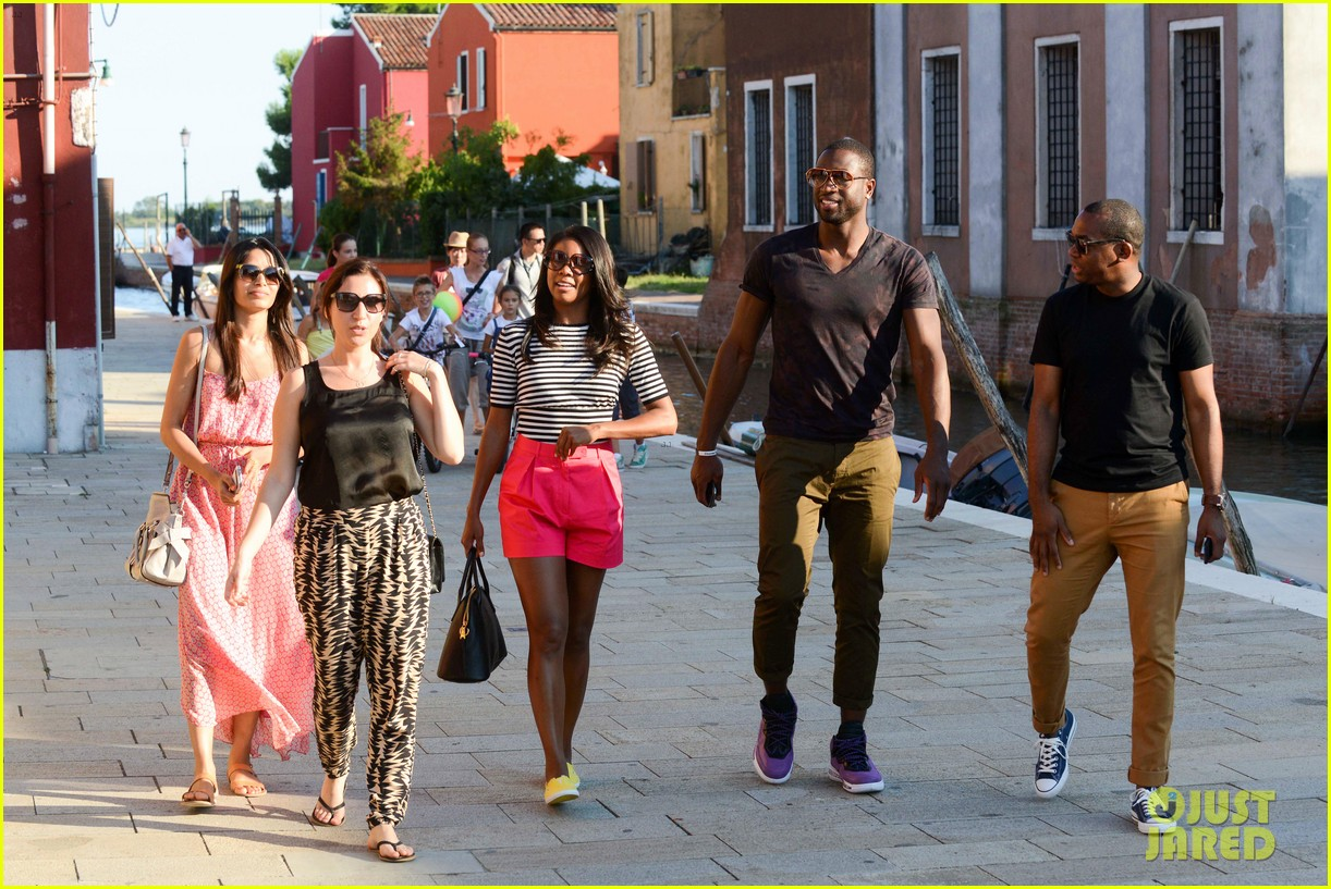 freida pinto venice sightseeing with gabrielle union dwyane wade 092941064