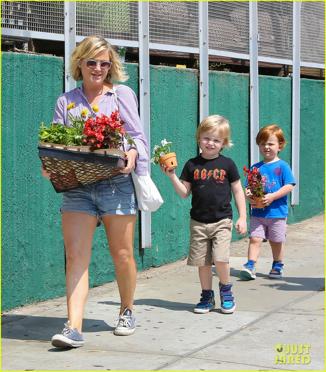 amy poehler gives advice to those scared of love 052927906