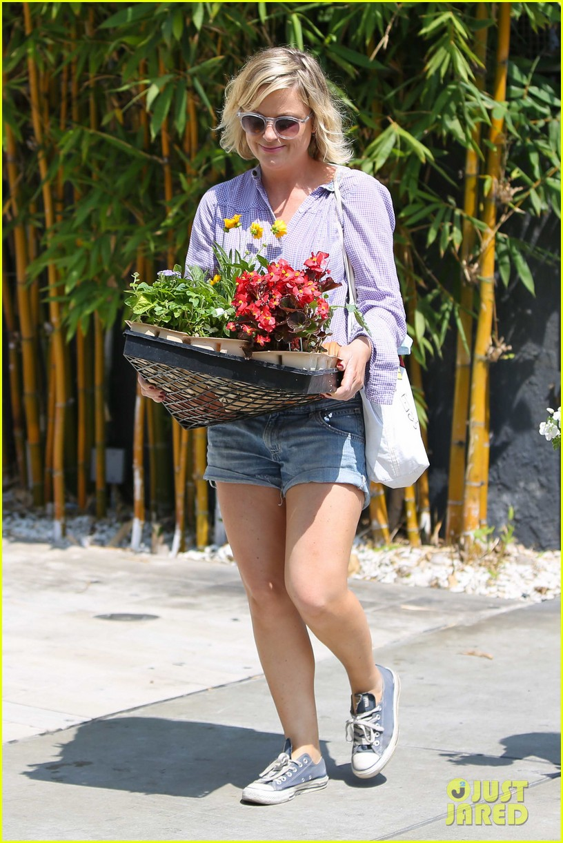 amy poehler gives advice to those scared of love 072927908