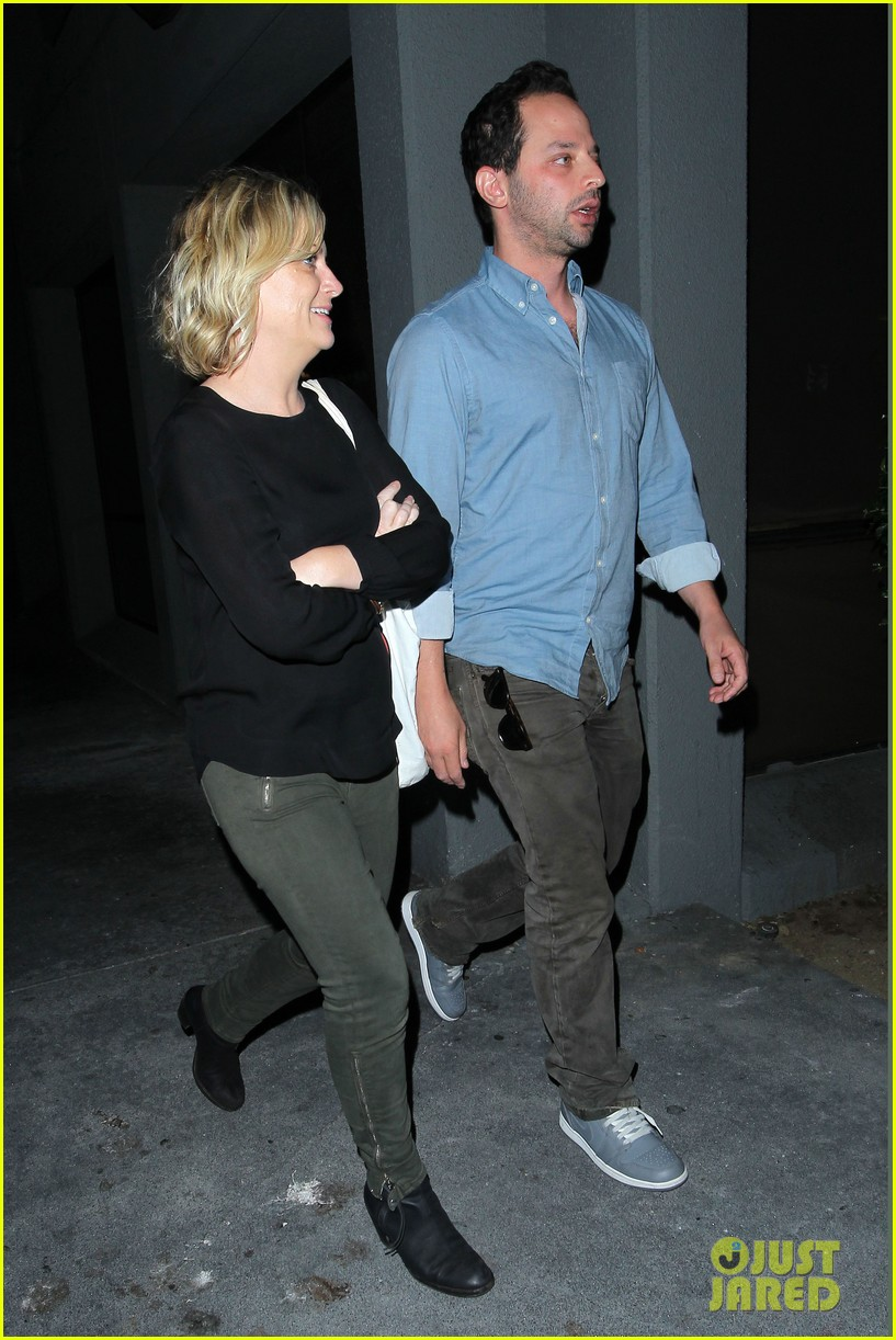amy poehler nick kroll hungry cat couple 072923915