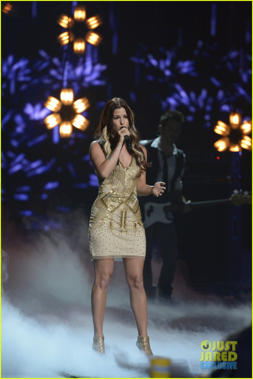the voice cassadee pope performs on americas got talent 06