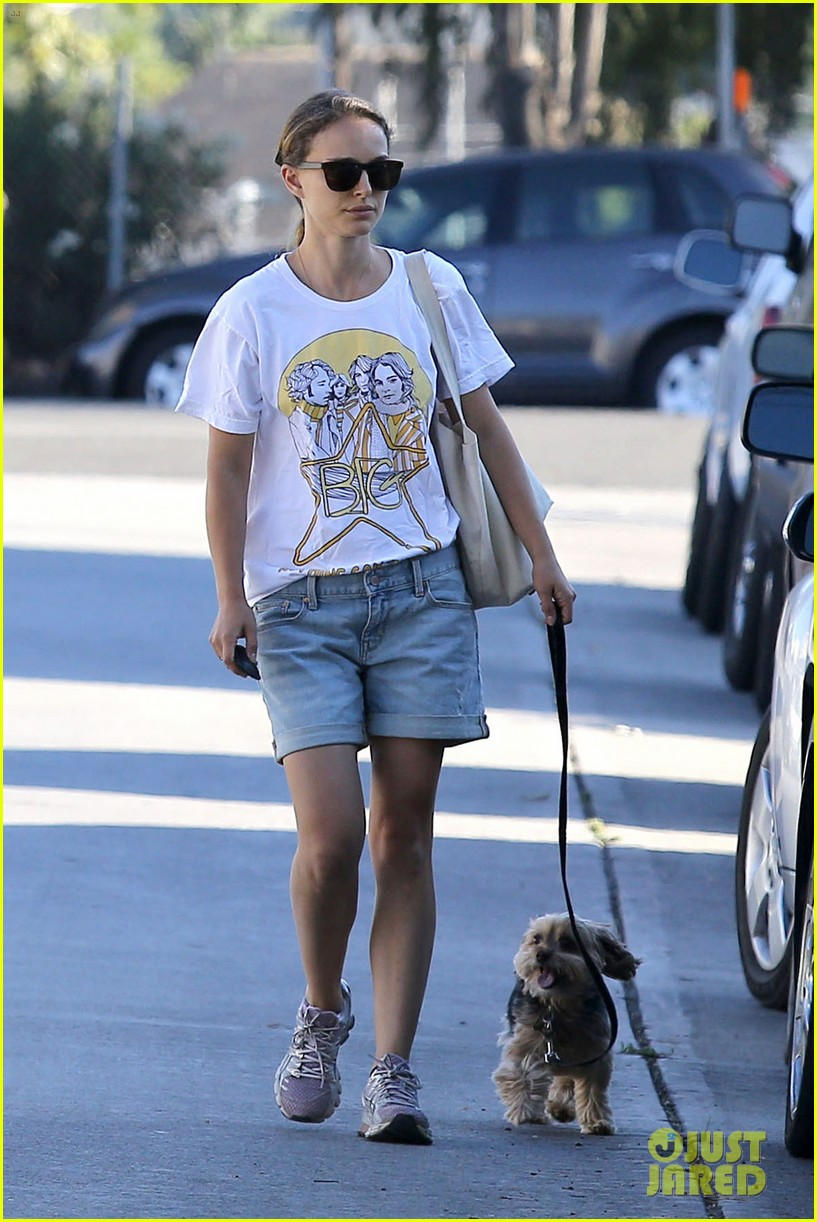 natalie portman wears big star band tee to walk whiz 022932397