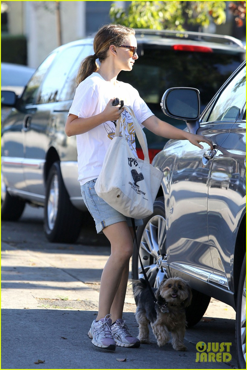 natalie portman wears big star band tee to walk whiz 032932398