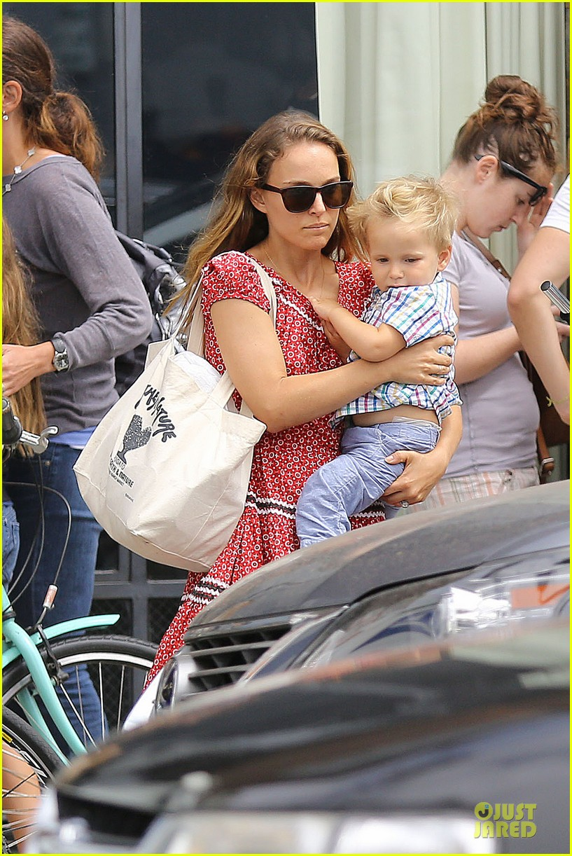 natalie portman benjamin millepied venice lunch with aleph 022931960