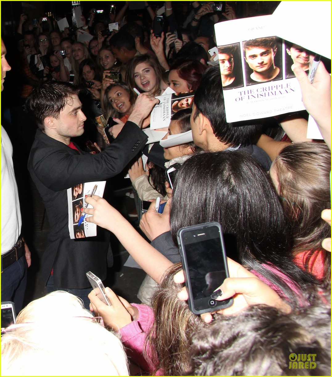 daniel radcliffe supports song one at cripple of inishmaan show 052933813