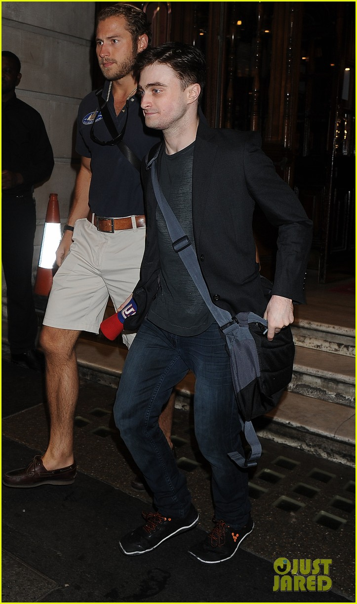 daniel radcliffe is a standup comic says juno temple 052926282