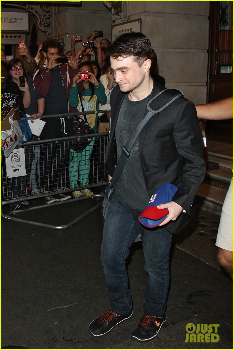 daniel radcliffe is a standup comic says juno temple 092926286