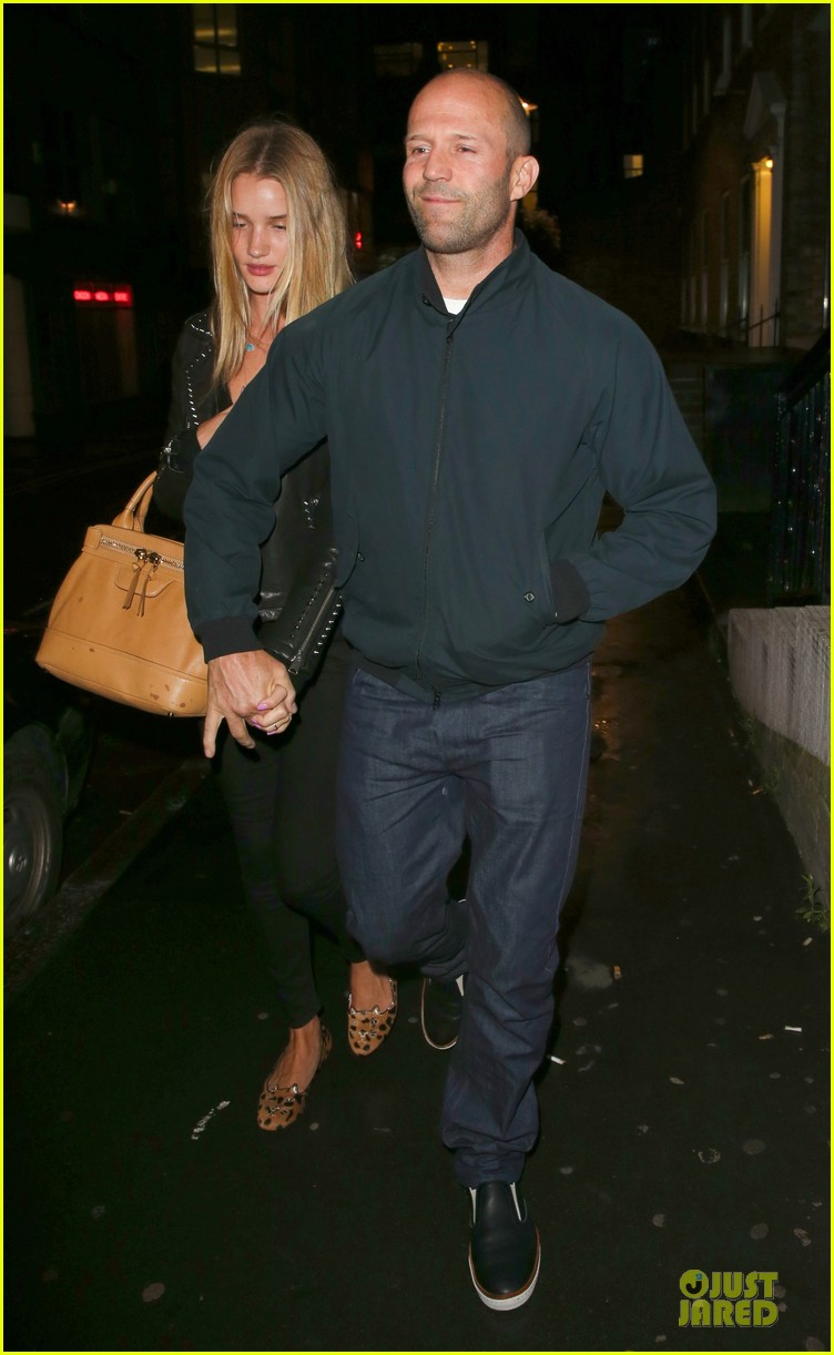 rosie huntington whiteley jason statham hold hands after london dinner 01