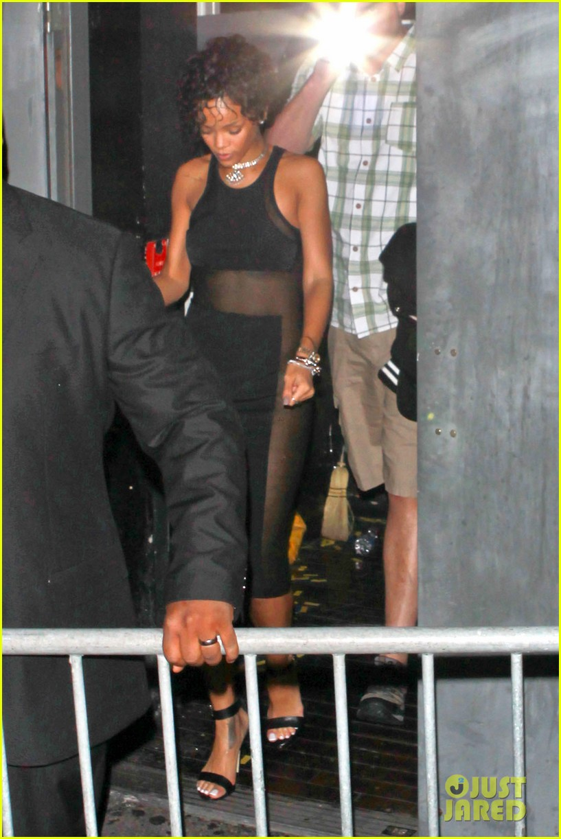 rihanna still getting used to my new hair 032922217