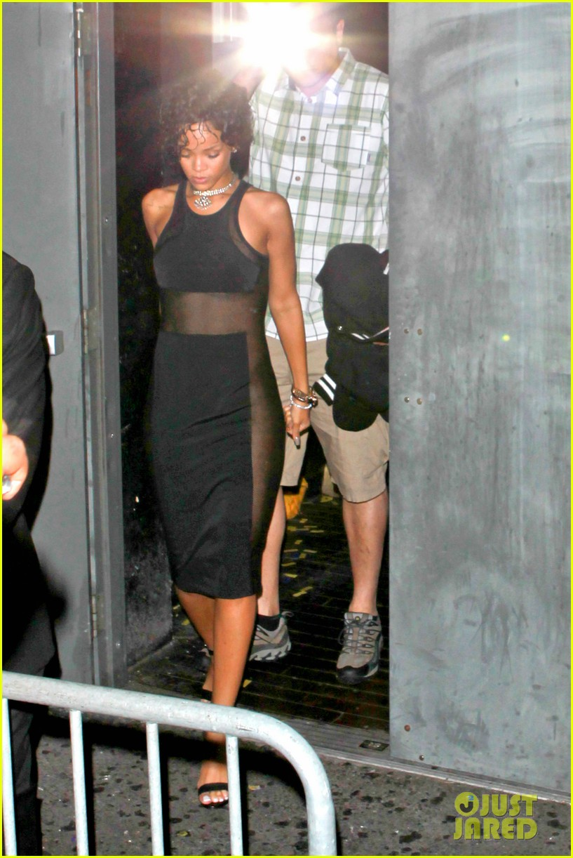 rihanna still getting used to my new hair 072922221