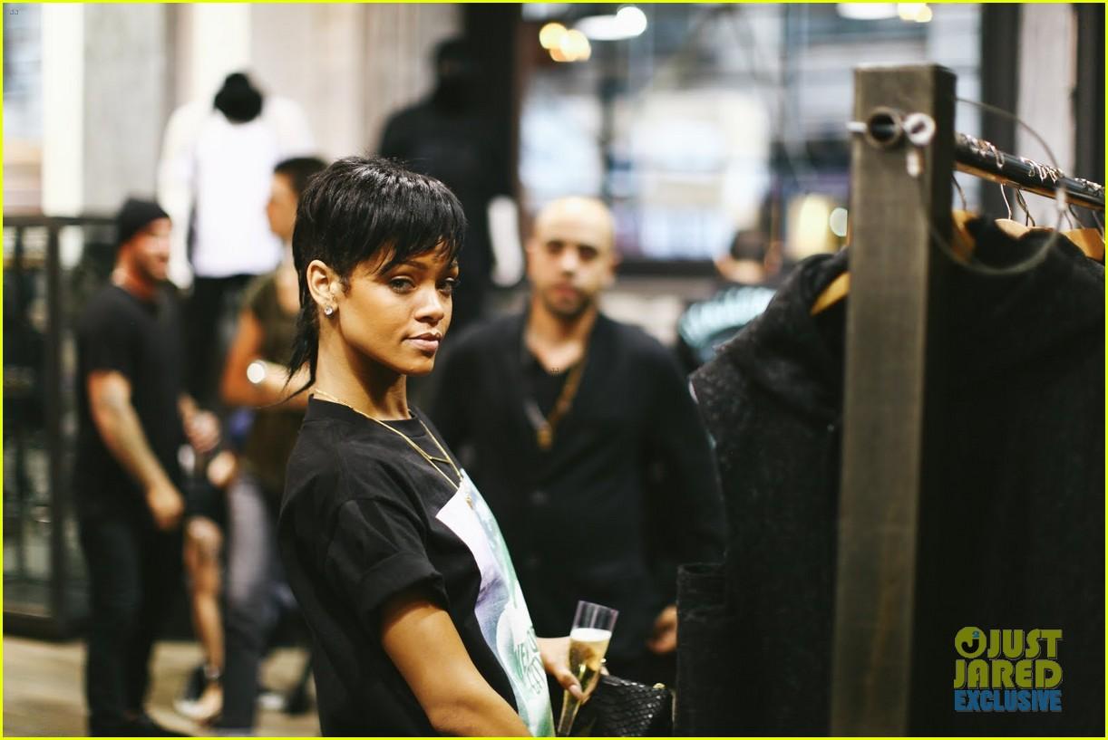 Rihanna Rocks Mullet Hairstyle