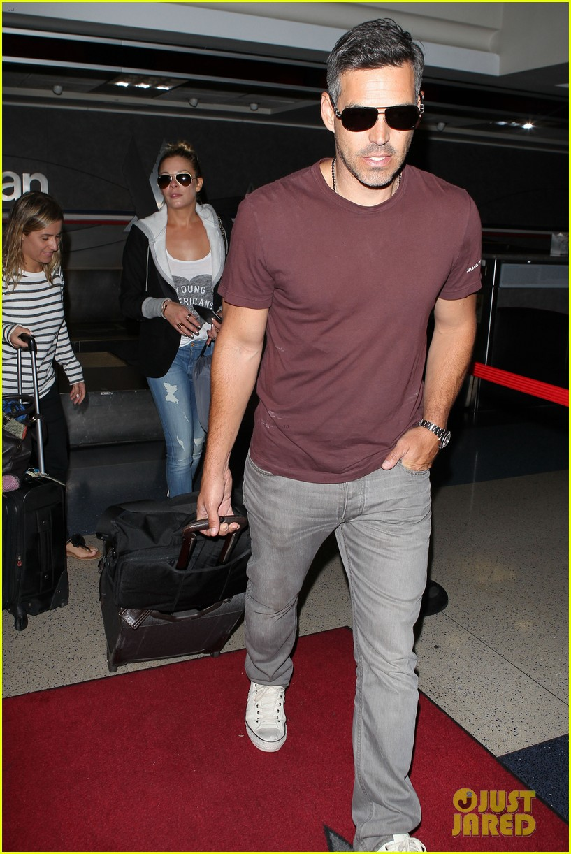 leann rimes birthday lax arrivial with eddie cibrian 11