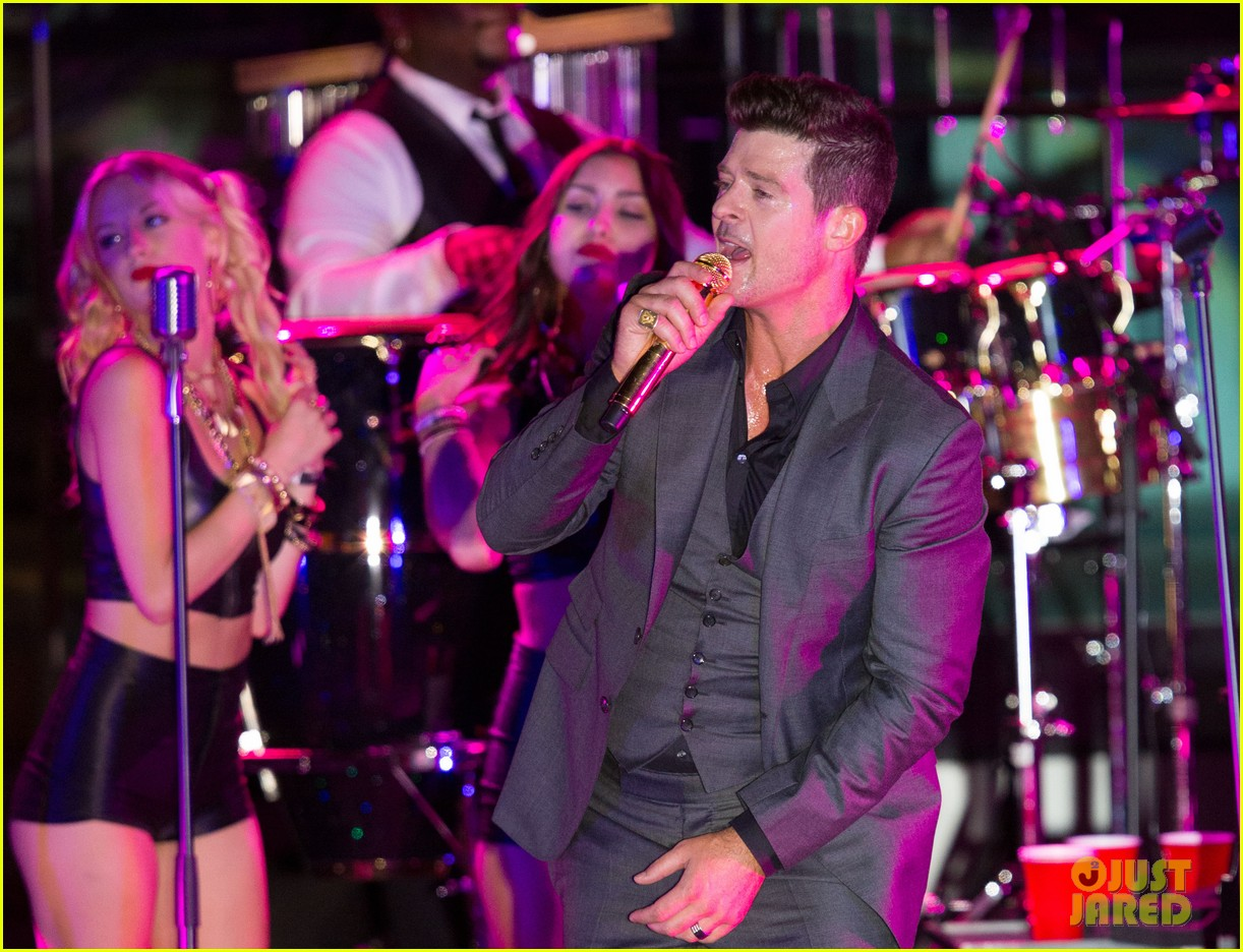 robin thicke files lawsuit to protect blurred lines 032932771
