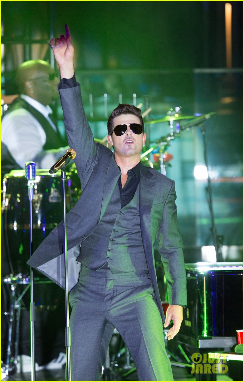 robin thicke files lawsuit to protect blurred lines 052932773