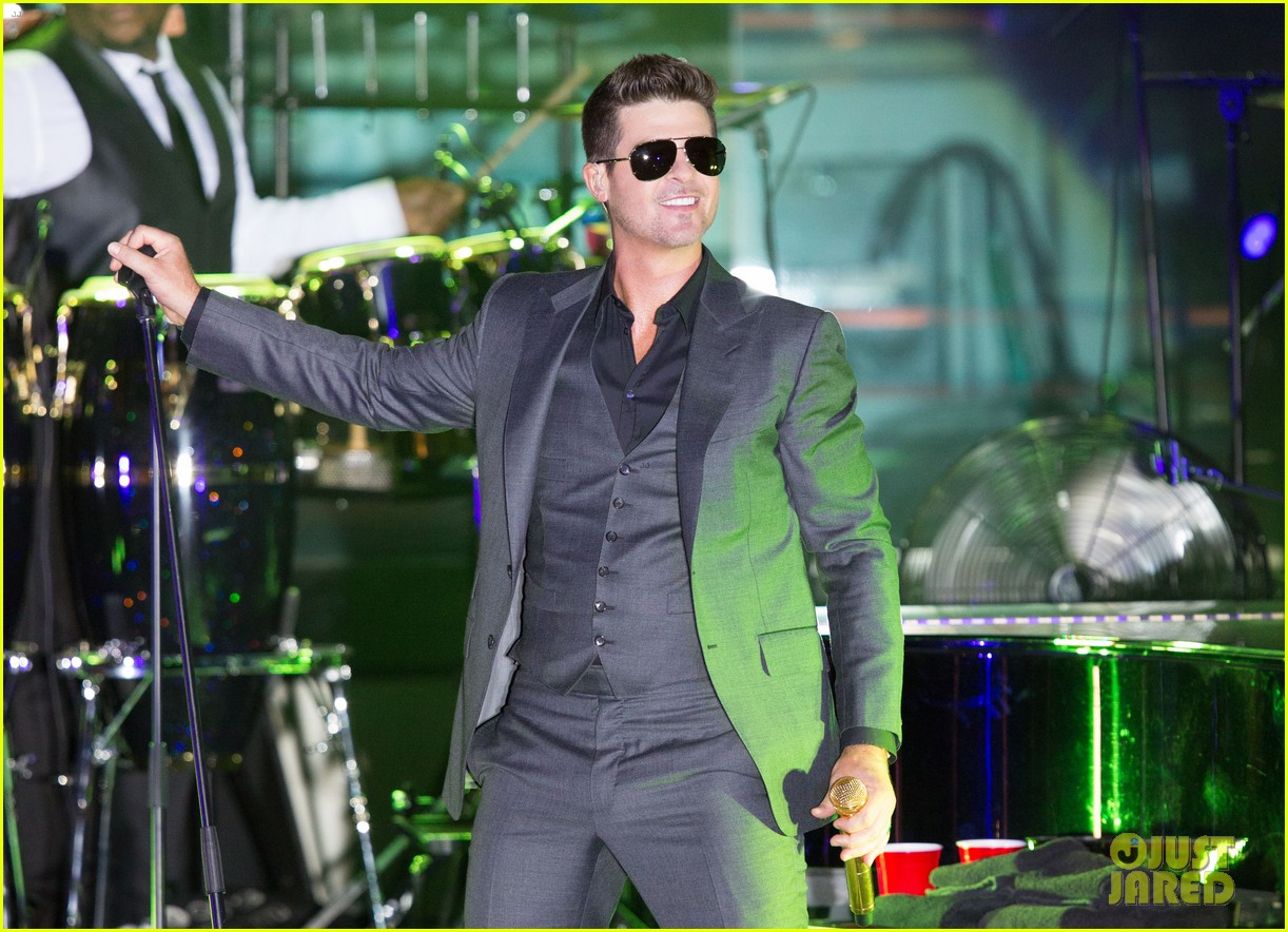 robin thicke files lawsuit to protect blurred lines 162932784