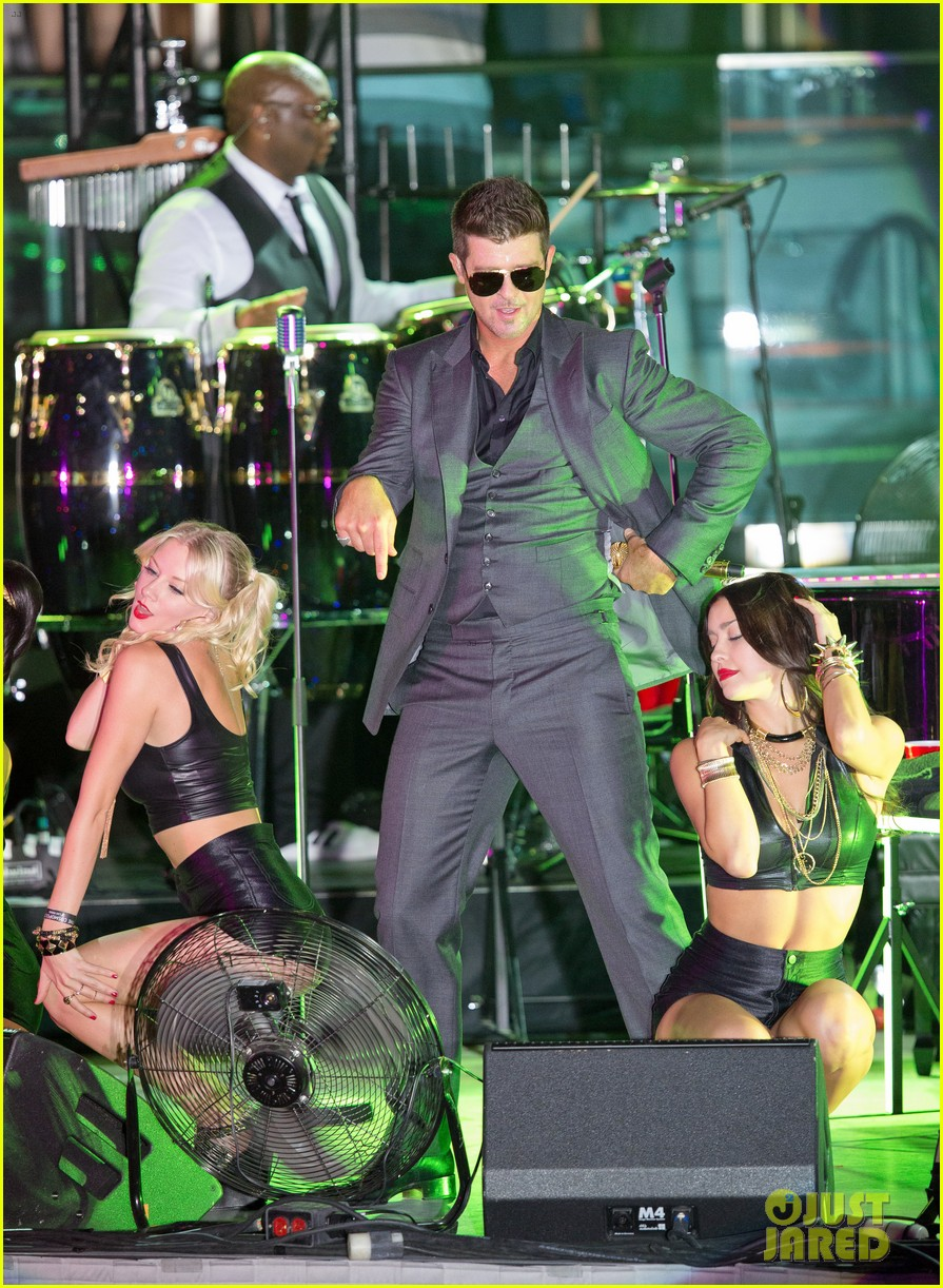 robin thicke files lawsuit to protect blurred lines 212932789