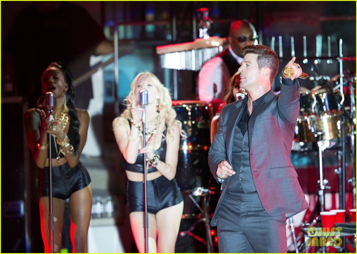 robin thicke files lawsuit to protect blurred lines 242932792