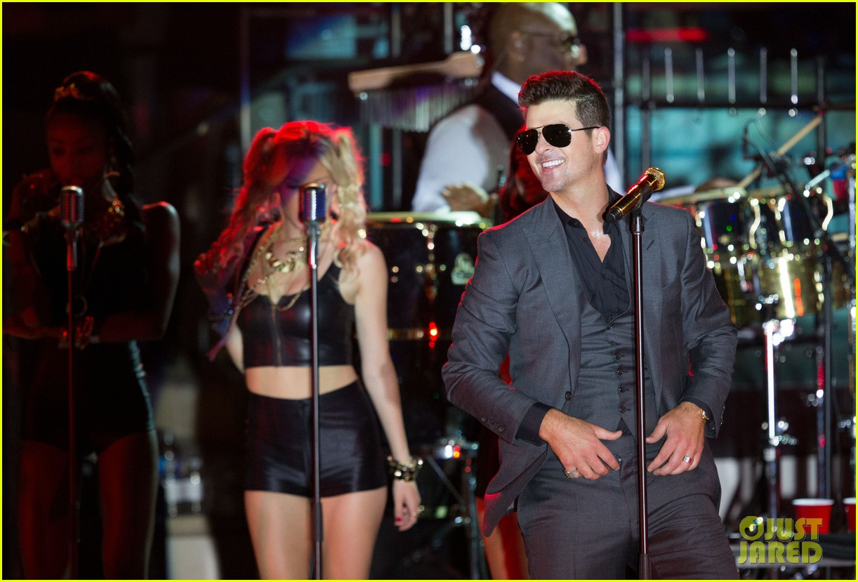 robin thicke files lawsuit to protect blurred lines 262932794