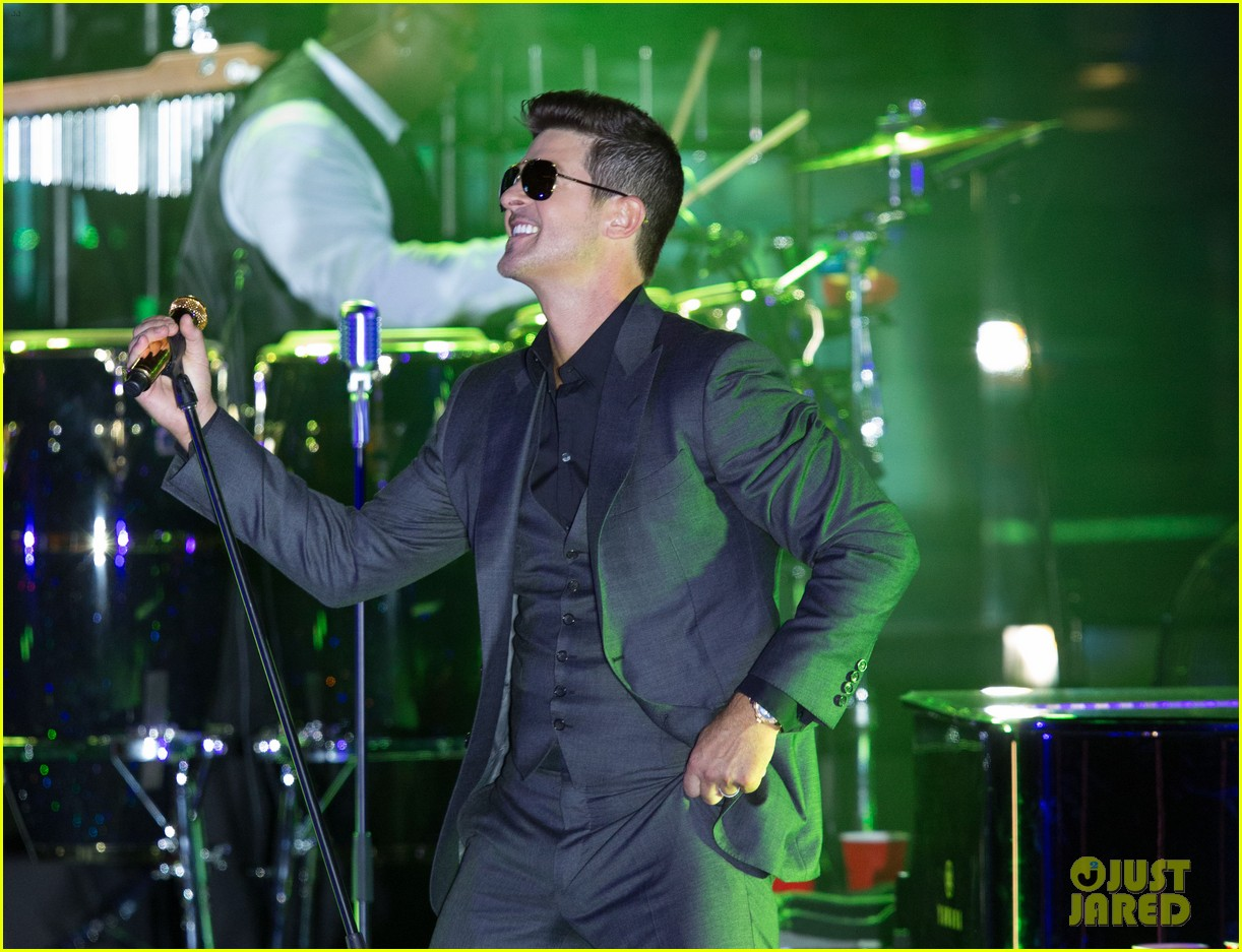 robin thicke files lawsuit to protect blurred lines 272932795