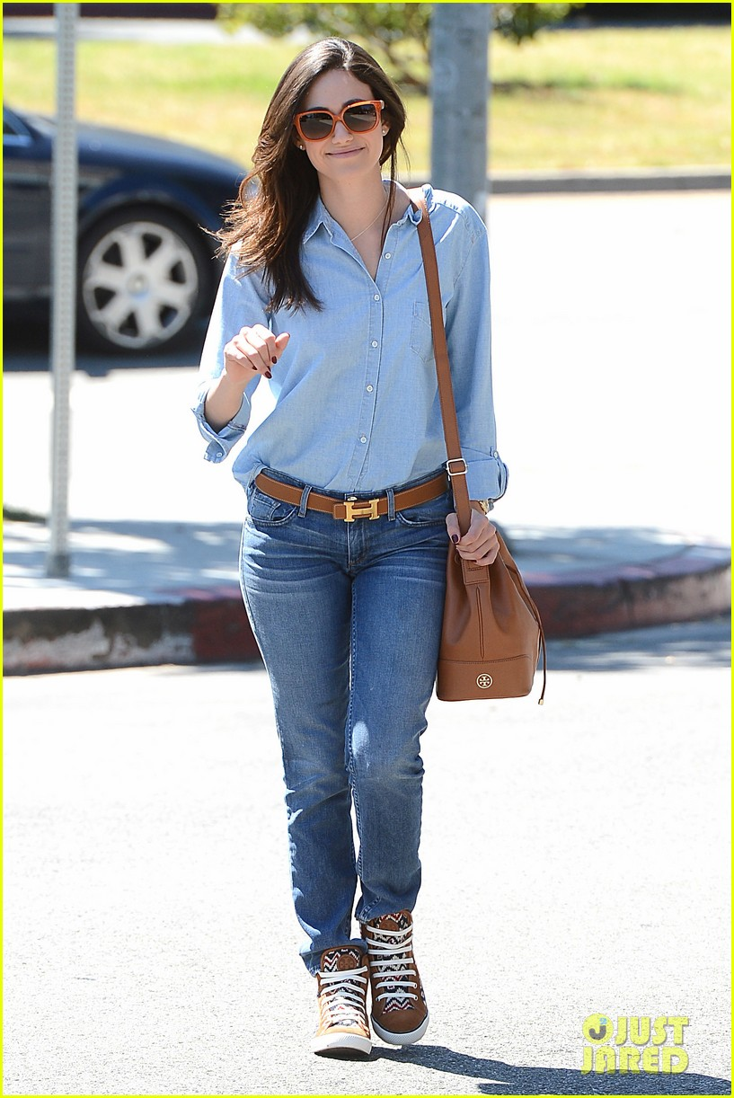 emmy rossum nesting is a happy activity 022940036