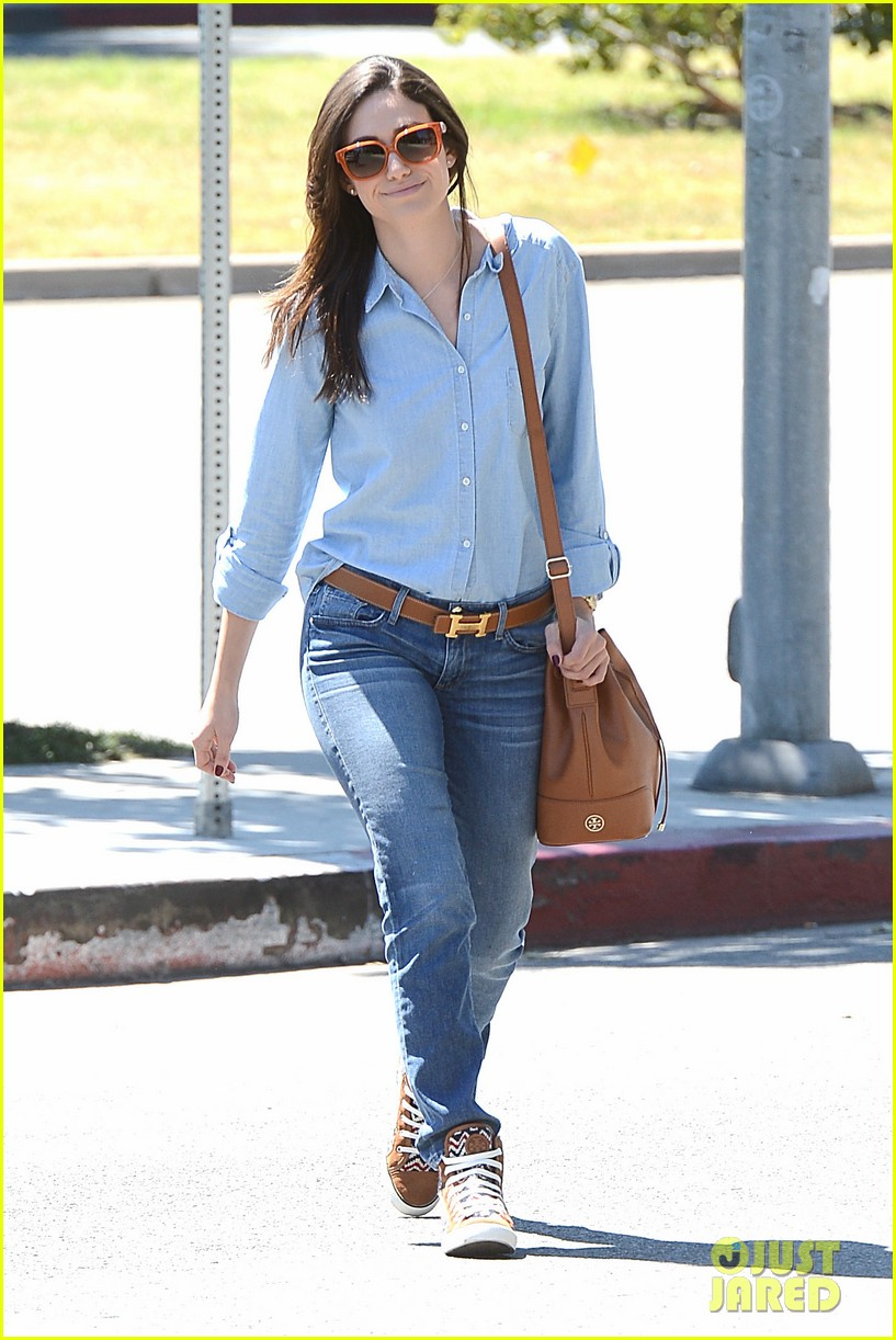 emmy rossum nesting is a happy activity 042940038