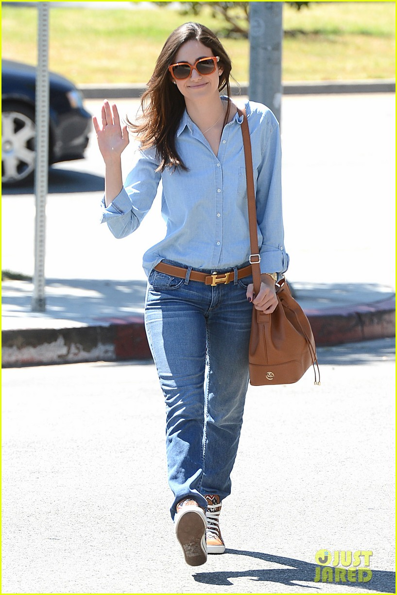 emmy rossum nesting is a happy activity 09
