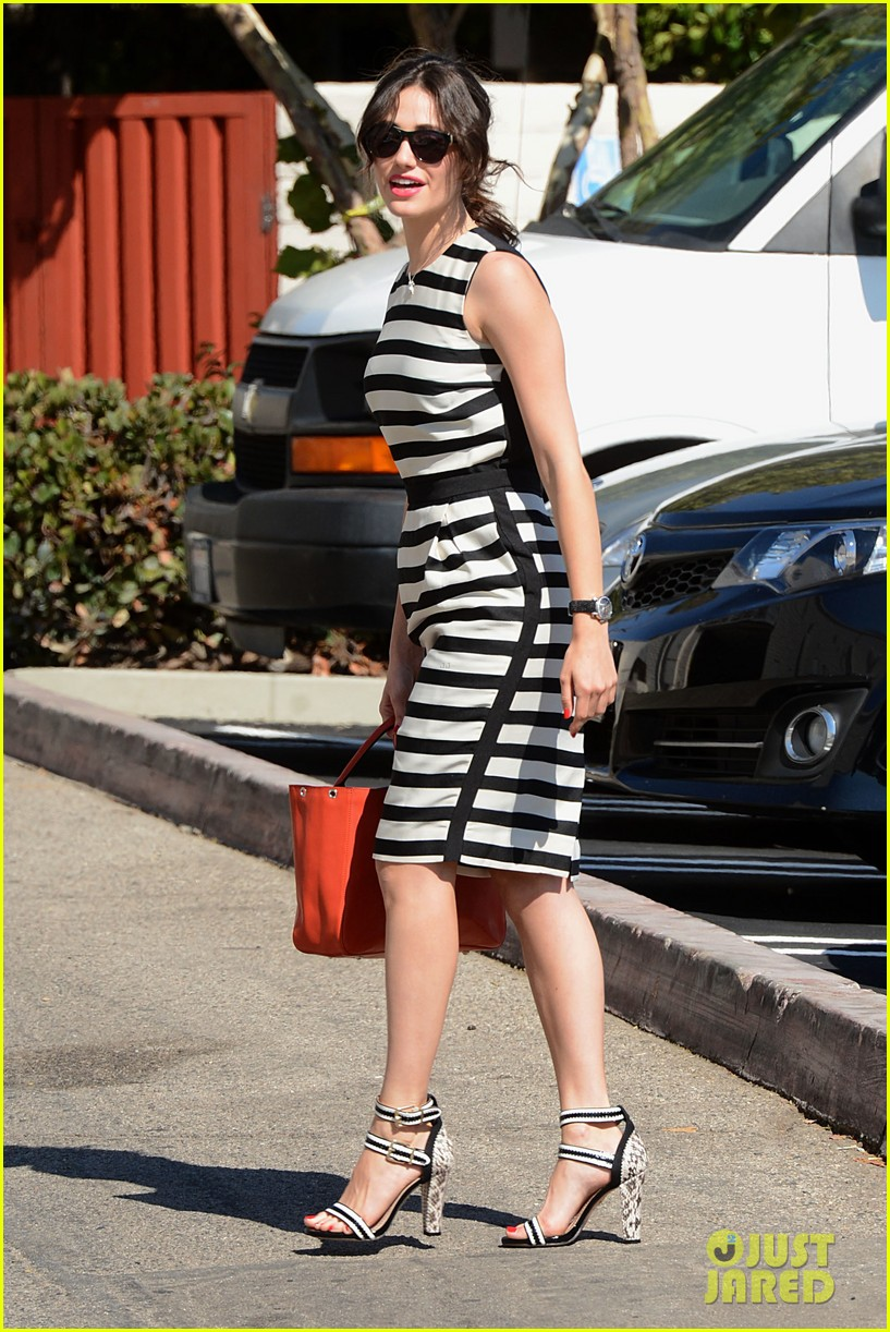 emmy rossum shows her stripes in brentwood 102926637