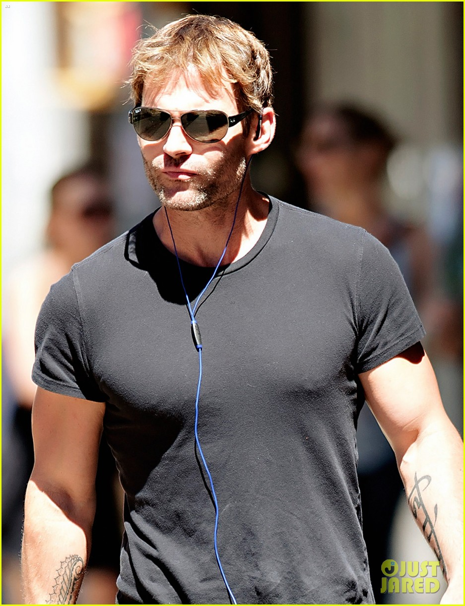 seann william scott looking super buff in new york city 042938343